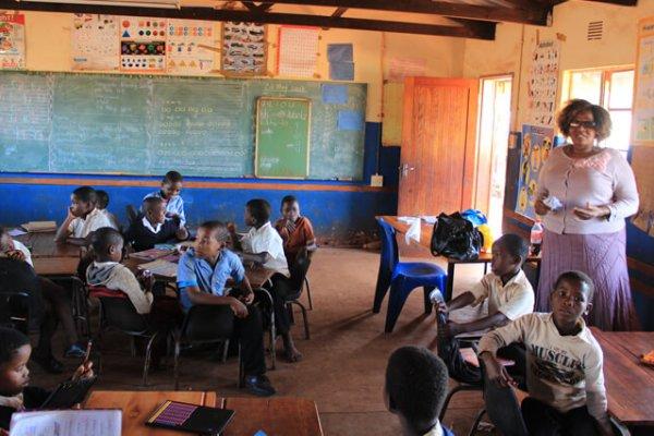 Suedafrika-hluhluwe-zulu-schule
