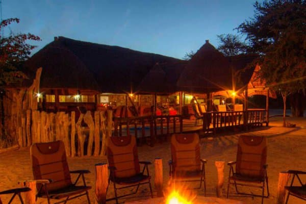 Dinka Safari Lodge Im Kalahari Game Reserve Bei Nacht