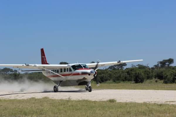 Botswana Flugsafari Flugzeug Beim Starten