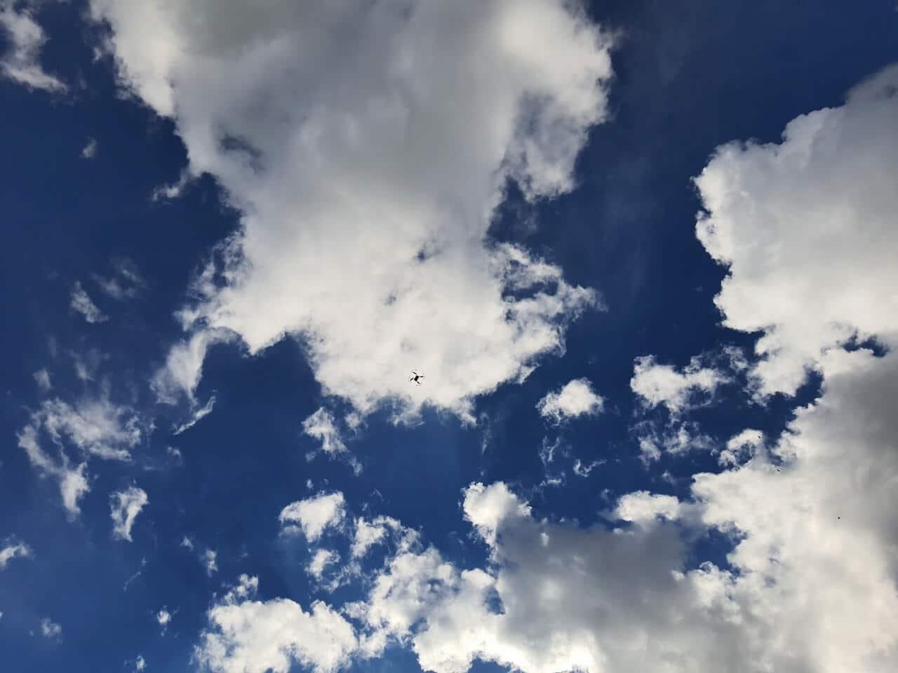 Drohne In Den Wolken