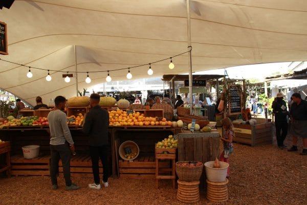 Oranjezicht City Farm Market Obststand
