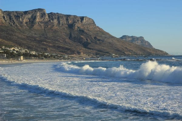 Camps Bay Beach Wellen