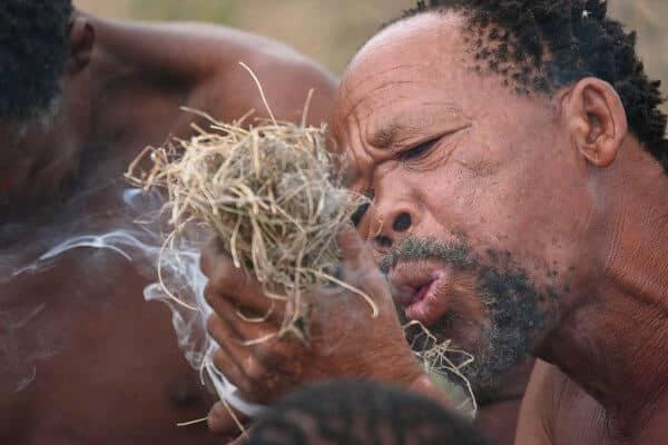 Sunway_botswana_ghanzi_san_bushmen_fire